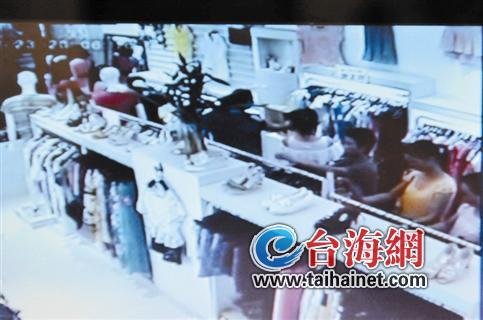 未安装服装店防盗器:10多分钟被盗数件衣服